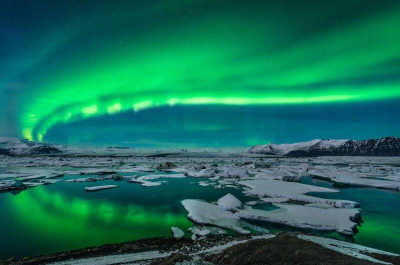 iceland aurora over jokulsarlon glacial lagoon istk